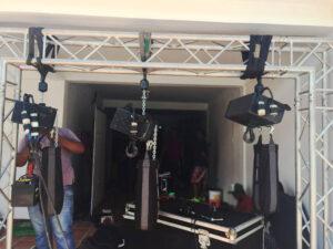 Muestra de uso del polipasto especial para escenografía stagemaker